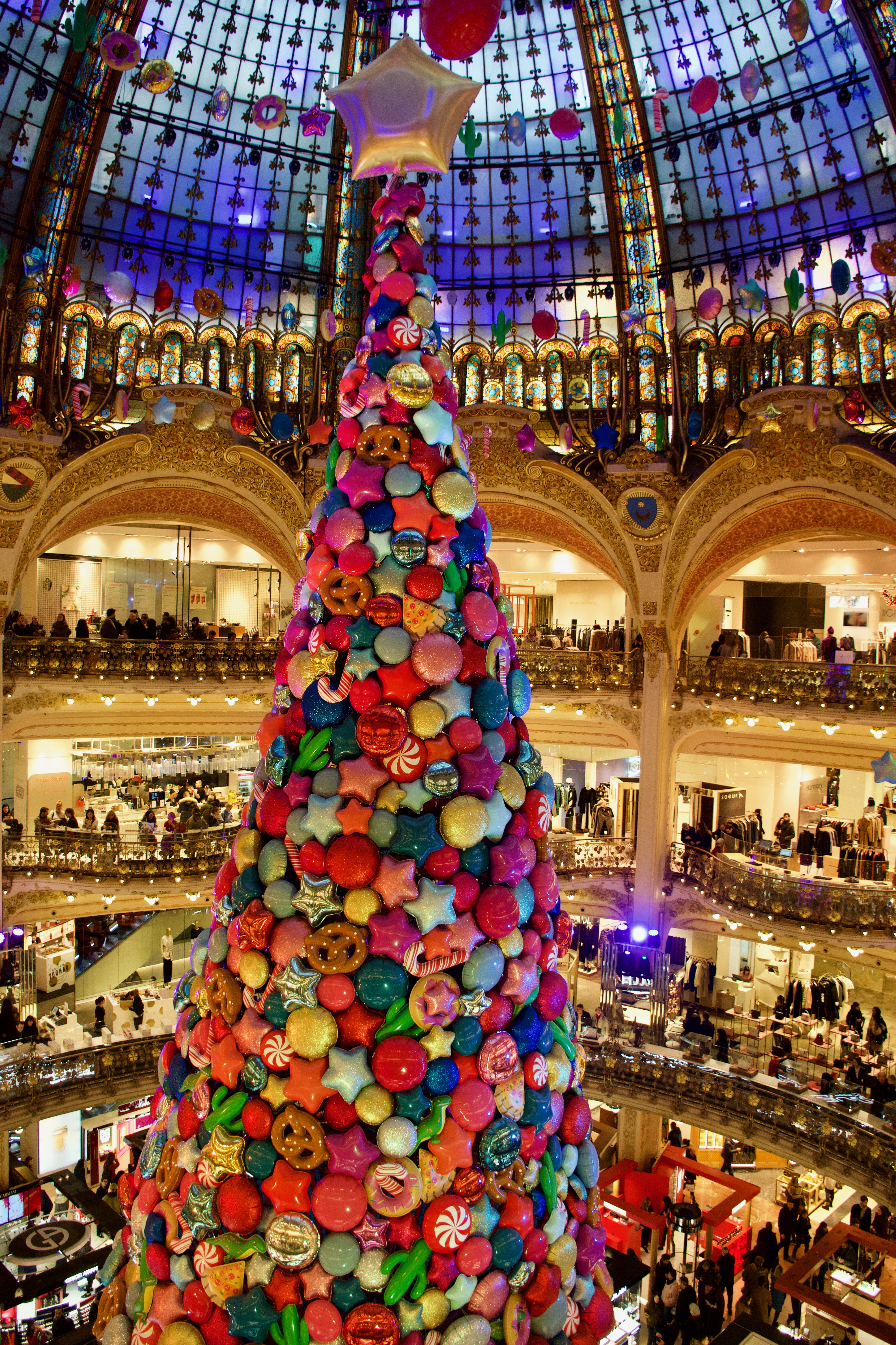 galerie lafayette christmas tree