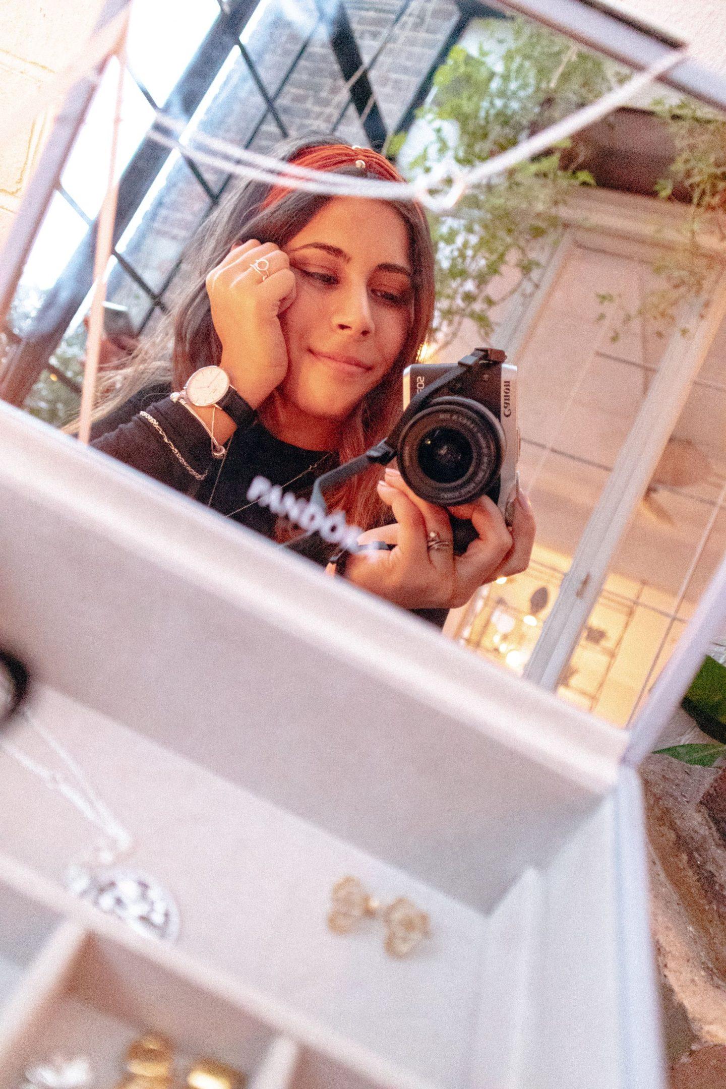 Pandora mirror