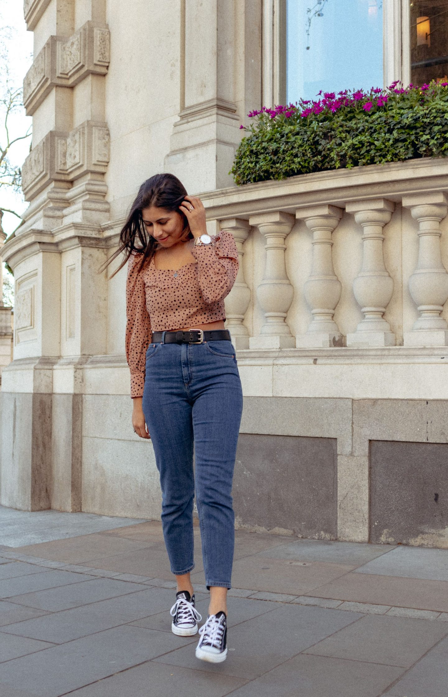 What to wear this spring - square neck top & mom jeans